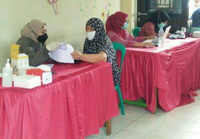 Vaksinasi di RW.013 Kelurahan Baktijaya Jemput Bola